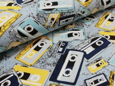 cassettebandjes blauw geel kaoenen trcot mies en moos cassette tapes