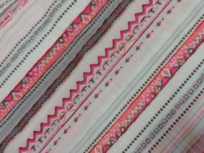 la maison victor yoko jurk geborduurde neon streep