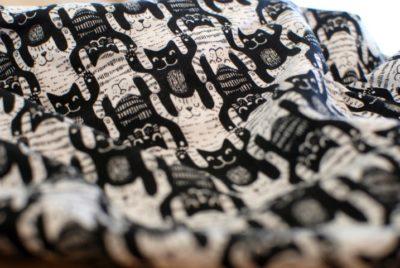 lillestoff katten escher zwart wit katoenen tricot katzentritt