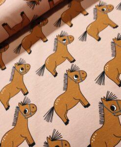 eva mouton tricot pony